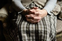 Пенсионерка попала под колеса Hyundai в Сафонове