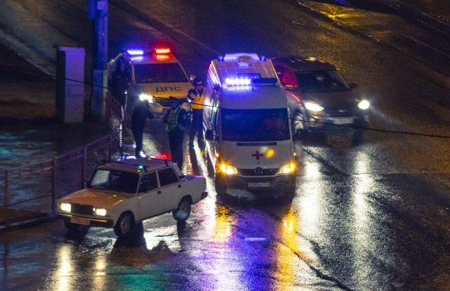 Виновник смертельного наезда на пешехода в Смоленске скрылся – ГИБДД