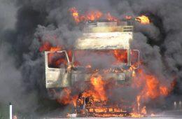 Дальнобойщик из Смоленска сгорел в кабине фуры