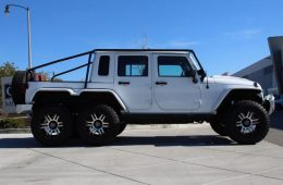 Посмотрите на шестиколёсный пикап на базе Jeep Wrangler