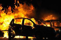 В Смоленске задержали заказчика и исполнителя поджога автомашины