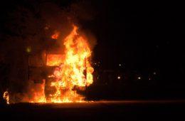 В Смоленской области ночью полыхали экскаватор и грузовик