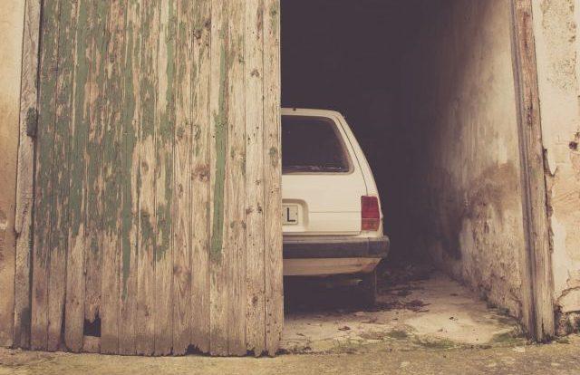 Шесть нелегальных гаражей хотят снести в Смоленске