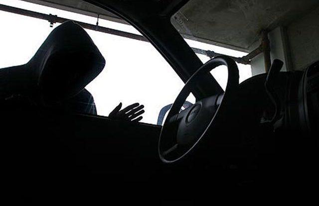 Молодой смолянин попал под подозрение в краже из машины
