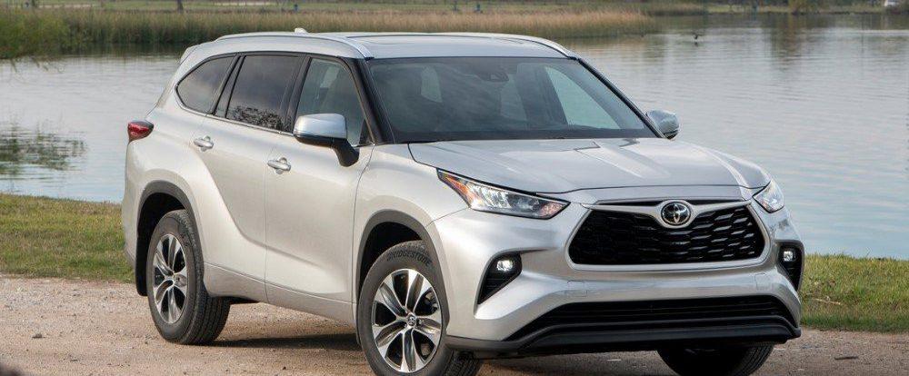 Новый Toyota Highlander для России лишили одного из сидений