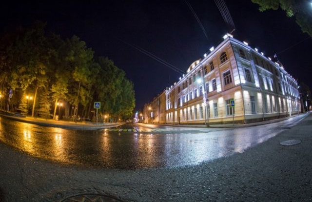 Чиновников наказали за выставку авто у Сквера памяти героев в Смоленске