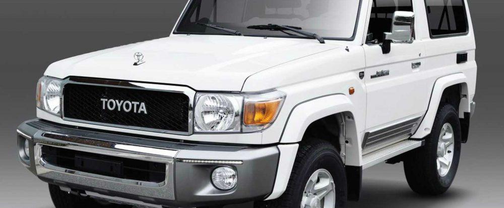 Какие рамные внедорожники-ветераны Toyota продает до сих пор