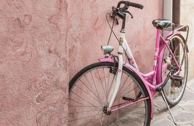Велосипедист из Велижа пострадал из-за открывшейся двери иномарки – ГИБДД
