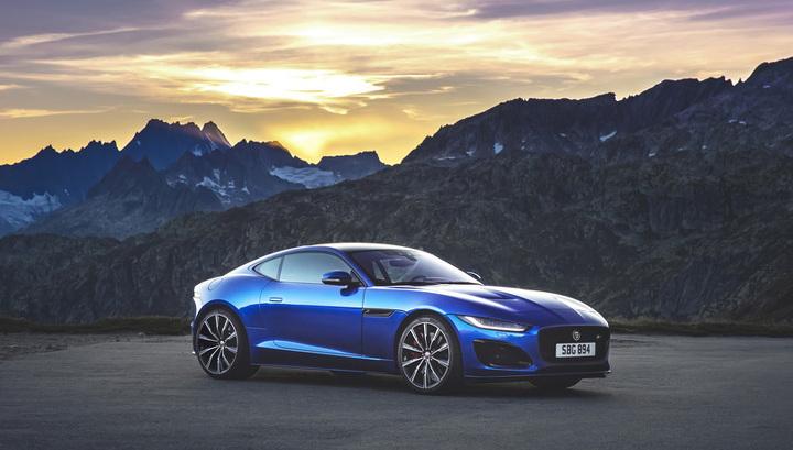 Стартовали российские продажи обновленного Jaguar F-Type