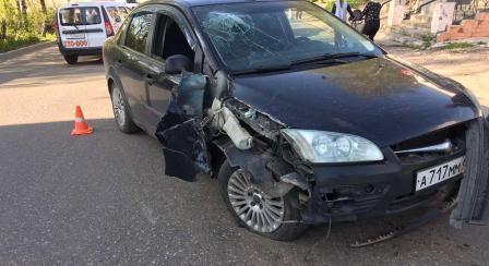 В смоленском райцентре нетрезвый водитель протаранил столб