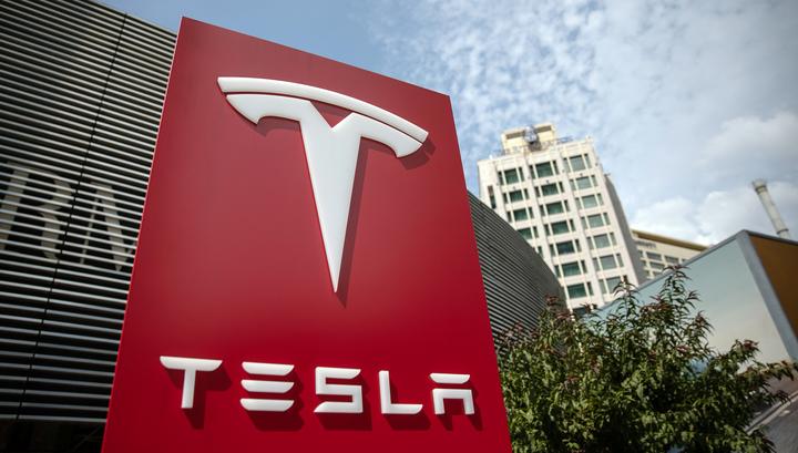 Производство электромобилей Tesla приостановлено по всему миру
