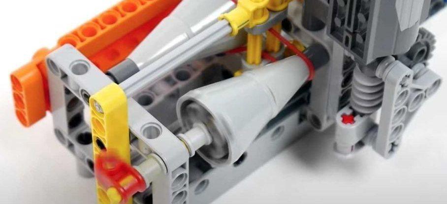 Из конструктора Lego сделали работающий вариатор