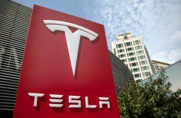 Число регистраций электрокаров Tesla в Китае выросло на 150%