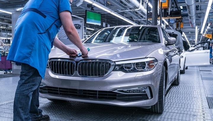 Выпуск автомобилей BMW в России будет приостановлен
