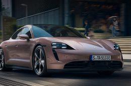 В Китае начались продажи заднеприводного Porsche Taycan