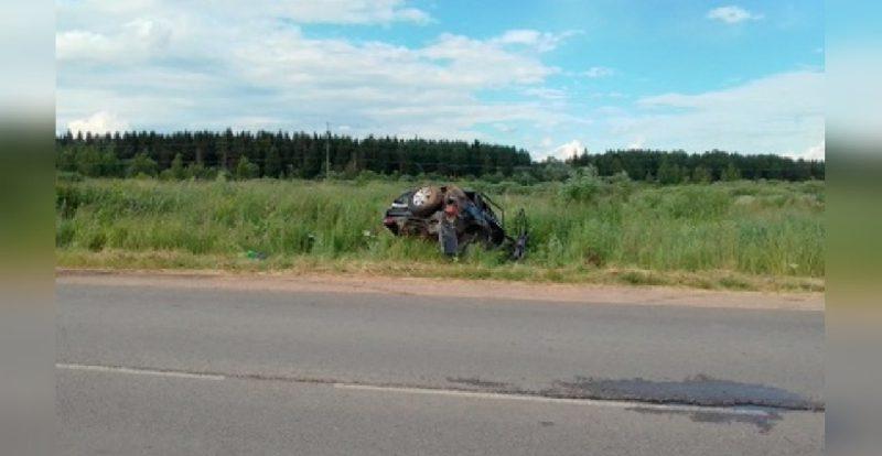 В Смоленске в ДТП с перевернувшейся машиной пострадали люди