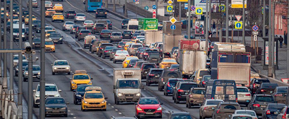 В России насчитали 1,5 млн водителей с фальшивыми полисами ОСАГО