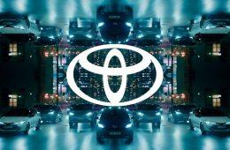 Toyota изменила логотип