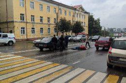«Увезли на «скорой». В центре Смоленска сбили человека