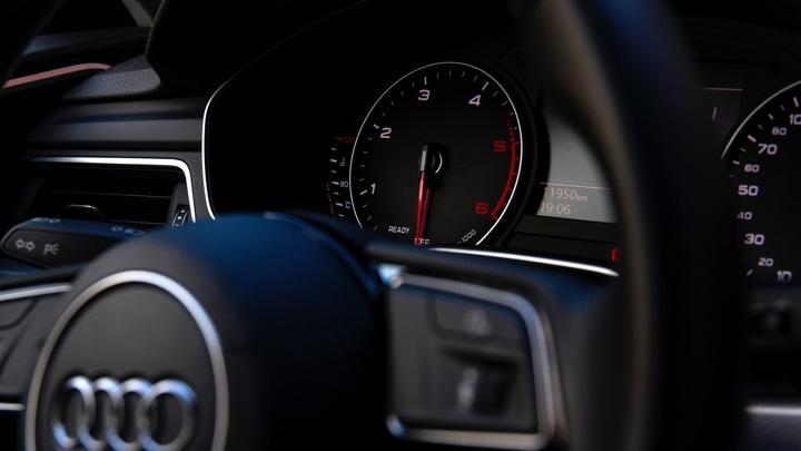 Автомобили в России подорожают на 20% к концу года