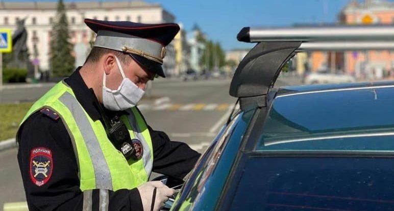 Смоленский лихач накопил почти 40 штрафов по линии ГИБДД и чуть не лишился иномарки