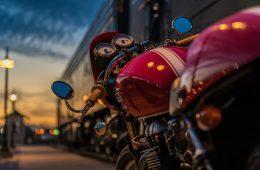 В Духовщинском районе неизвестный на мотоцикле сбил пенсионерку