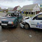 В Рославле на перекрестке столкнулись две легковушки