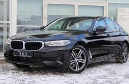 Обновлённая «пятёрка» BMW появилась у российских дилеров