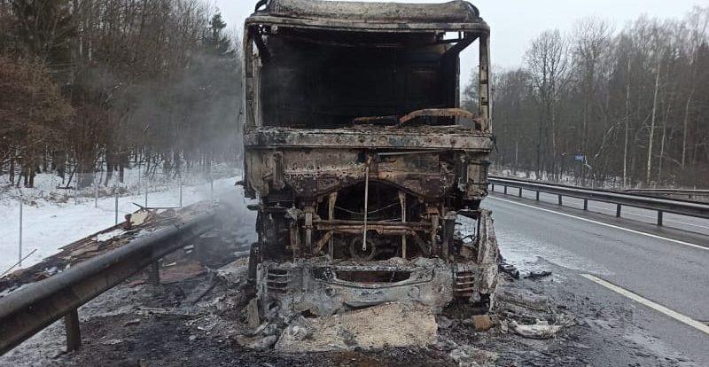 В МЧС рассказали подробности страшного автопожара в Смоленской области