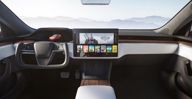 Tesla модернизировала две модели: теперь без традиционного руля
