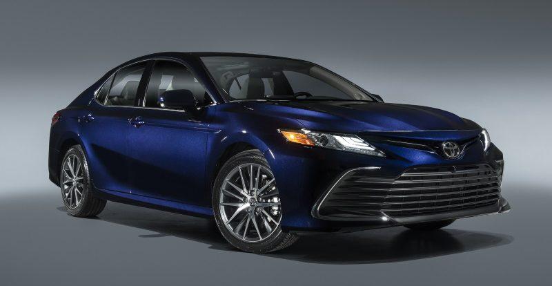 Toyota Camry для России получит новые двигатели и вариатор