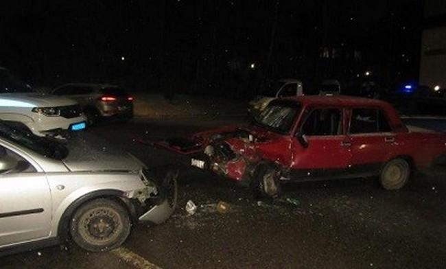 В Смоленске на улице Лавочкина столкнулись «Opel Corsa» и «ВАЗ»