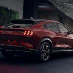 «Младший брат» Mustang Mach-E: первое изображение компактного кроссовера Ford