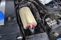 Как почистить воздушный фильтр на автомобиле и мотоцикле