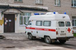 В Смоленской области на трассе М-1 столкнулись кроссовер и хэтчбек