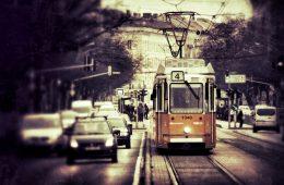 В Смоленске на улице 25 Сентября сбили ребенка на остановке трамвая
