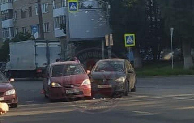 Автоавария в Заднепровском районе Смоленска затормозила движение трамваев