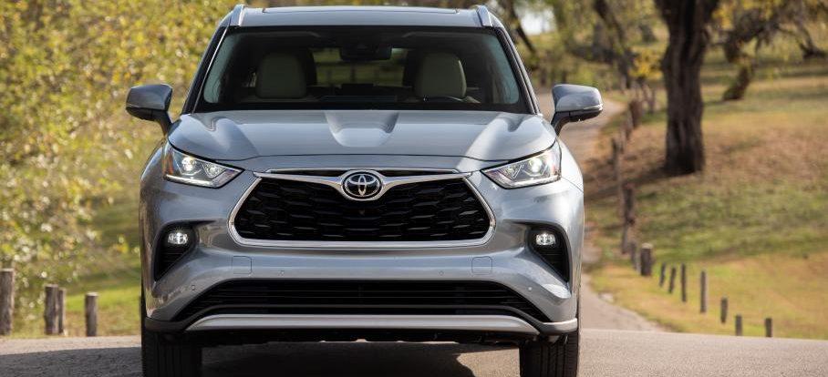 Озвучены сроки появления большого Toyota Highlander с приставкой Grand