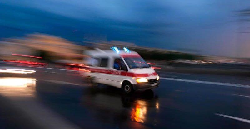 Под Смоленском в жесткой аварии с двумя фурами погиб пассажир иномарки