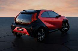 Недорогой компакт Toyota Aygo в новом поколении может превратиться в «кроссовер»